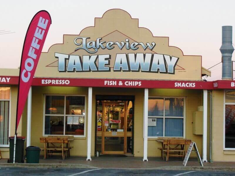 Kinh doanh cafe take away là hình thức kinh doanh cần ít vốn đầu tư, dễ sinh lời