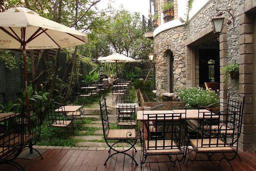Mặt bằng cho các quán cà phê sân vườn trung bình từ 80 - 100m2.