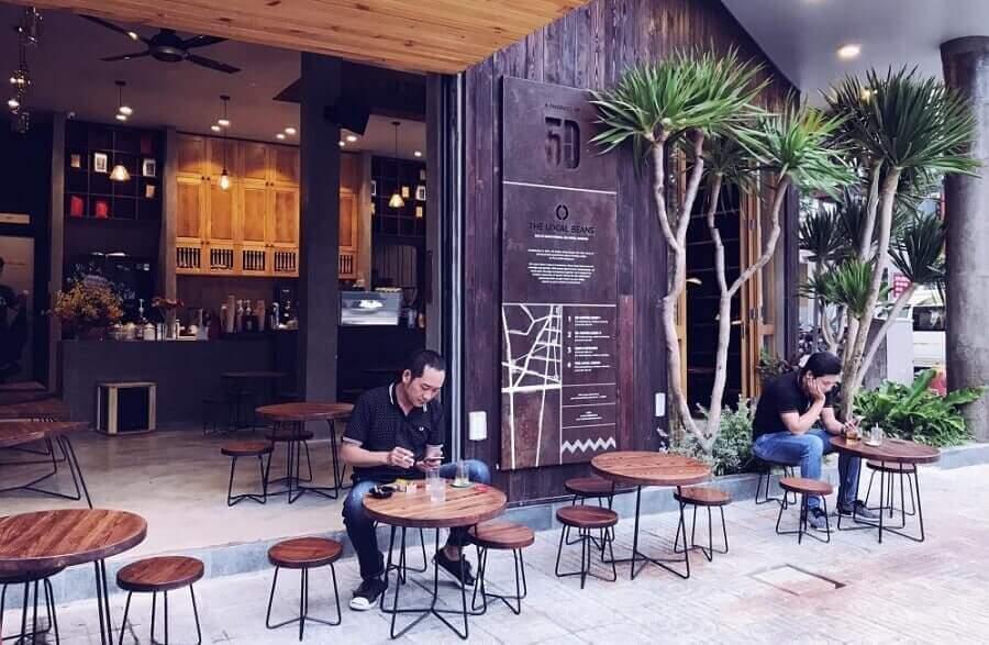 đối tượng của quán cà phê truyền thống