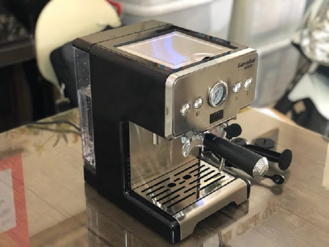 may-pha-espresso-phu-hop-gia-dinh