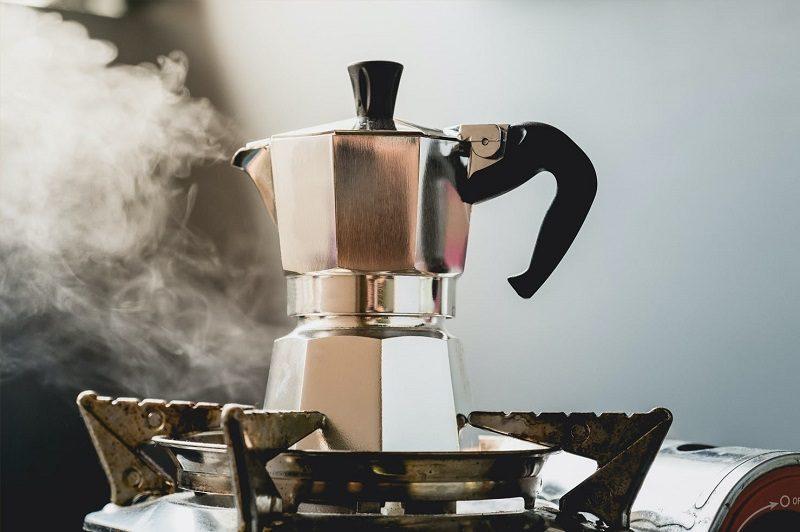 pha-espresso-khong-can-may-voi-binh-Moka-pot