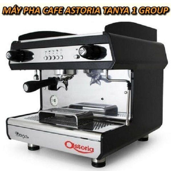 may-pha-cafe-Astoria-Tanya-1-Group